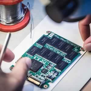 Reparatur und Wiederherstellung bei Defekt an SSD / Solid State Disk
